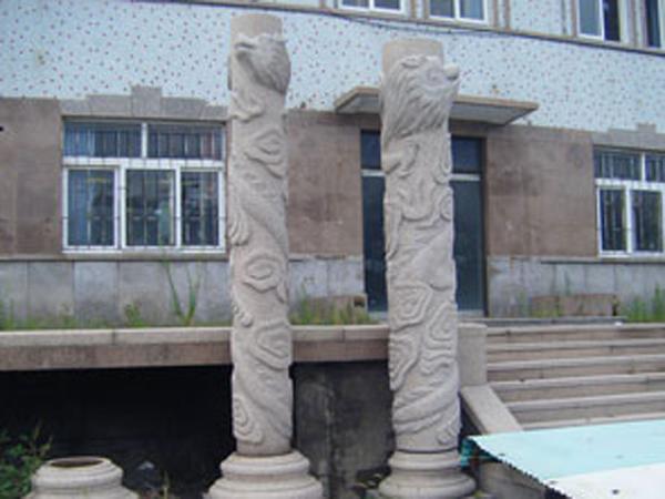 五莲红石柱雕刻